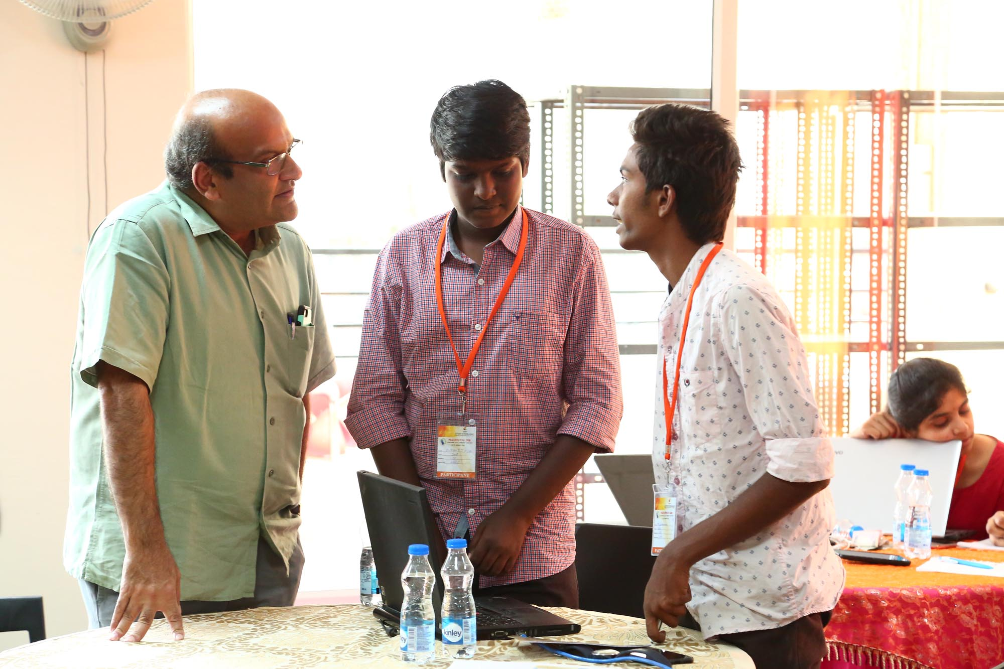 Chairman interacting with 1 Year participants from other college